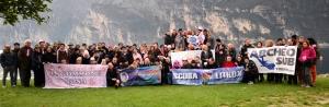 Foto di gruppo del 17° Gommone Rosa a Porto San Niccolo'